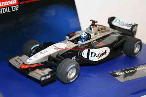 carrera digital 132 30270 / 30203 mclaren-mercedes mp 4/17 nr. 3 pro