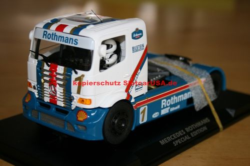 Fly Slot 202308 MERCEDES ATEGO - ROTHMANS SPECIAL EDITION Displayhaube gebrochen